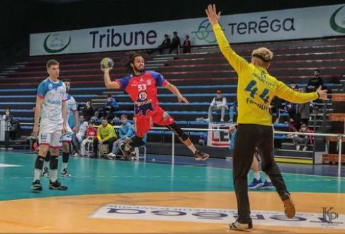 Baptiste fréville s'engage avec la N2 de la cjb handball bouguenais